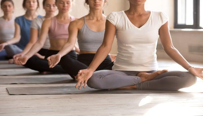 Group in meditation | DNAfit Blog
