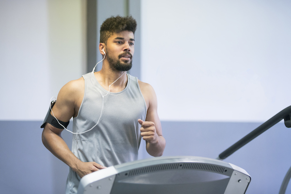 Man working out on treadmill | DNAfit Blog
