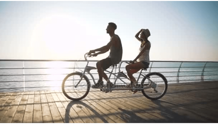 Couple on a tandem bike | DNAfit Blog