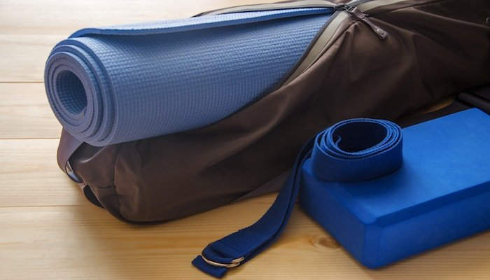 Yoga equipment in bag | DNAfit Blog