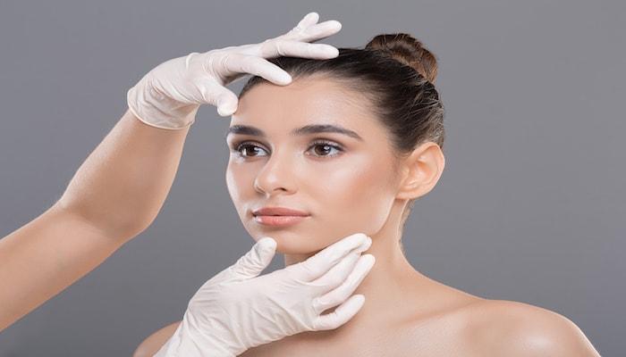 Woman in skincare | DNAfit Blog