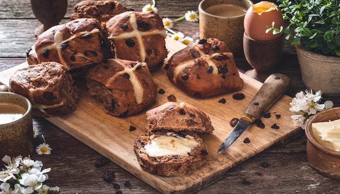 Whole wheat hot cross buns |DNAfit Blog
