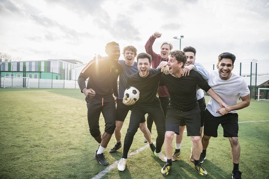 Group of college football players | DNAfit Blog