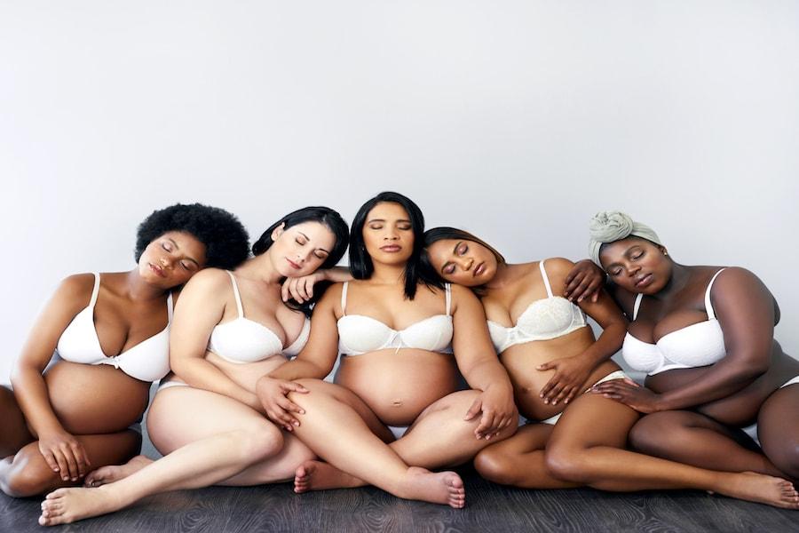 Pregnant woman at antenatal class   DNAfit Blog