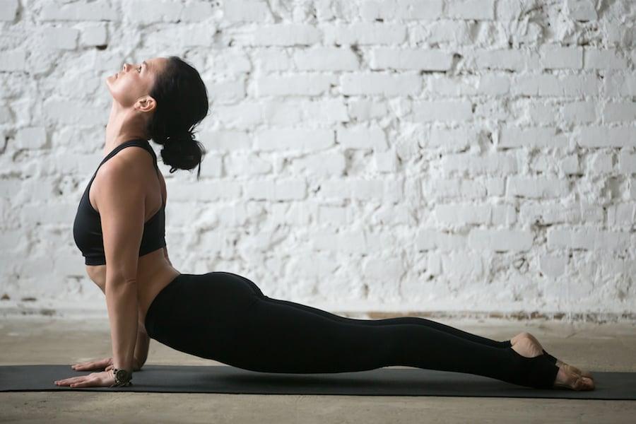 Yoga upward facing dog | DNAfit Blog