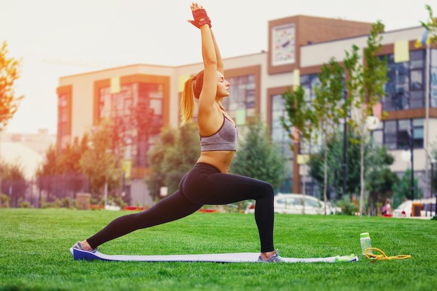Yoga warrior I pose | DNAfit Blog