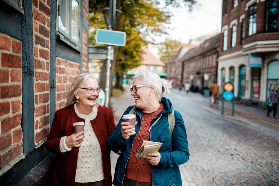 Elderly woman on a coffee walk | DNAfit blog